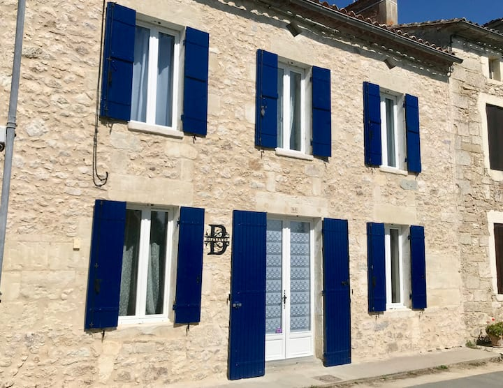 A Beautiful Gem on the Banks of the River Dordogne