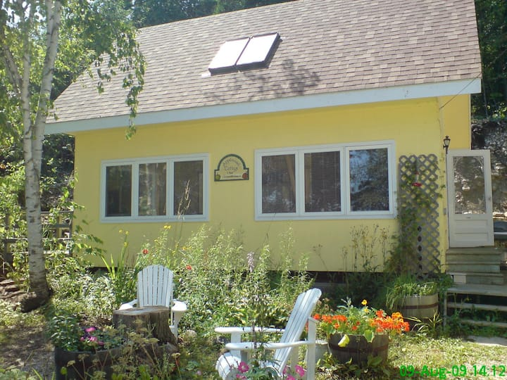 Applewood Inn, water view Cottage on Dyers Bay