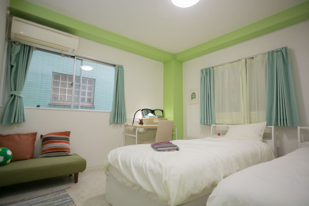 2 single beds, desk and chair - bedroom 1