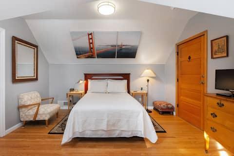 Loft privé et parking gratuit dans la maison de charme SF