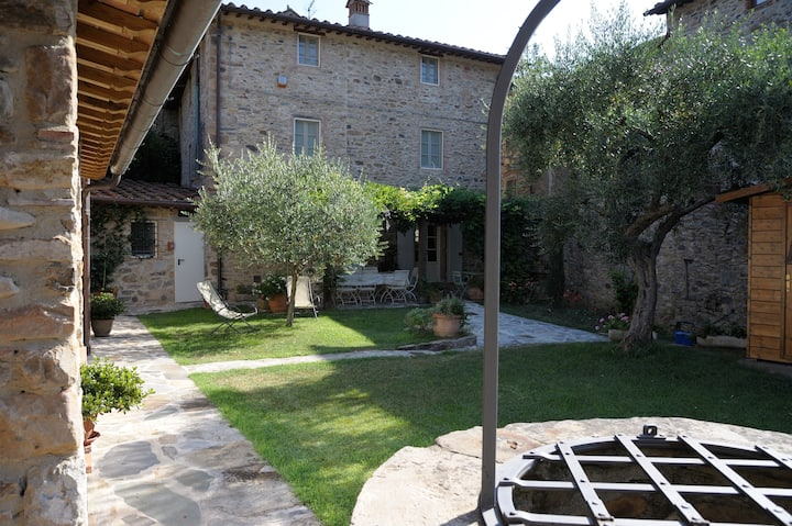 Dimora delle Camelie country house near Lucca