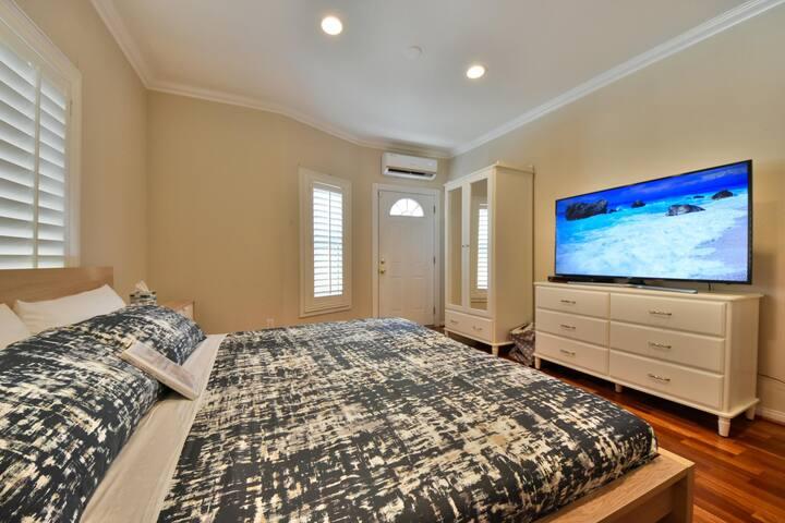 108 Contemporary 2BD Home Next to Disneyland w/AC