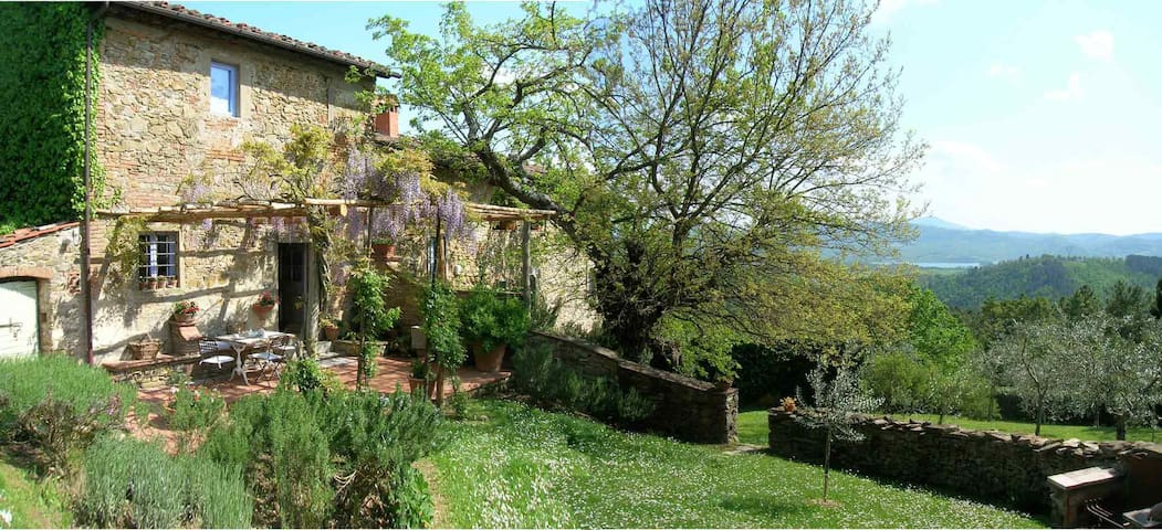 Beautiful old Farmhouse in Tuscany - Barberino di Mugello - Casa