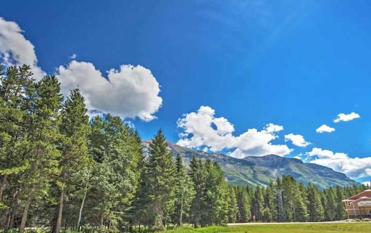 1BR Chalet in Castle Mountain Ski Resort - Pincher Creek - Cabin
