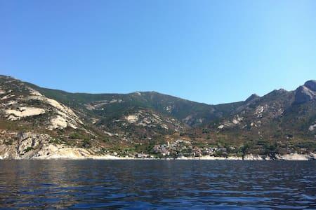 Il mare di Chiessi, Isola D'Elba - Chiessi