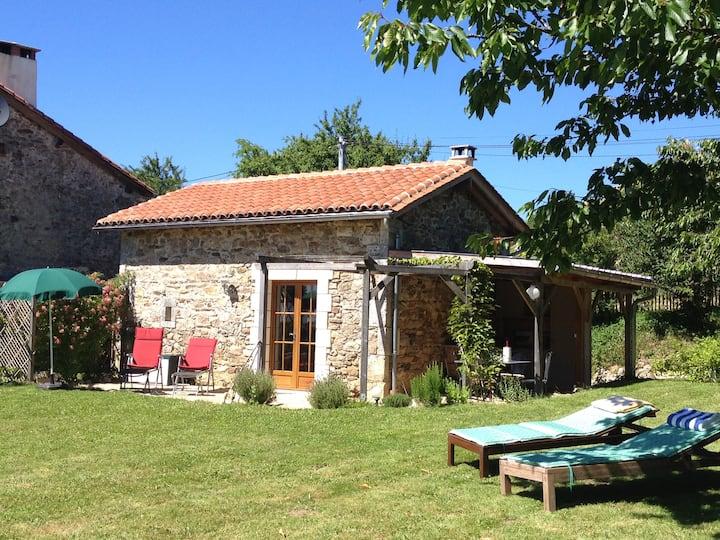 Kl. Ferienhaus mit Terrasse, Garten u. Fernblick
