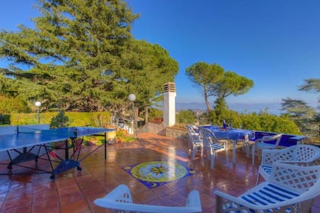 Private Villa 8+2 sleeps♥4 Bdr 3 Bathr♥Speed Wi-Fi - San Felice Circeo