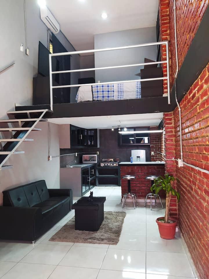 Loft  equipado con terraza.