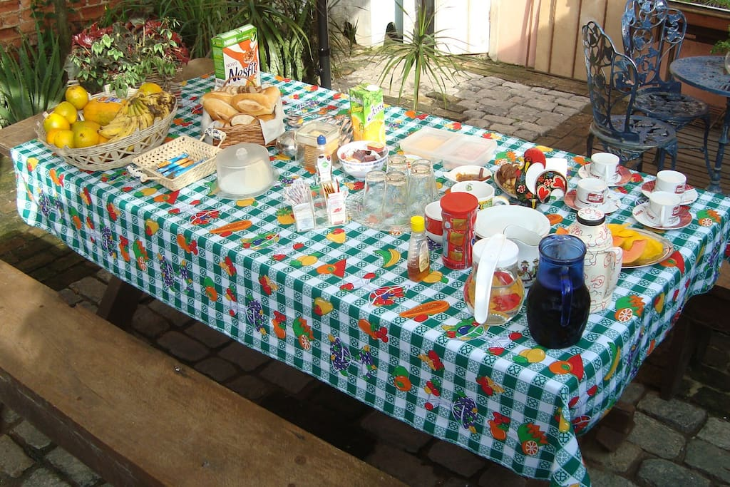 Breakfast in the backyard