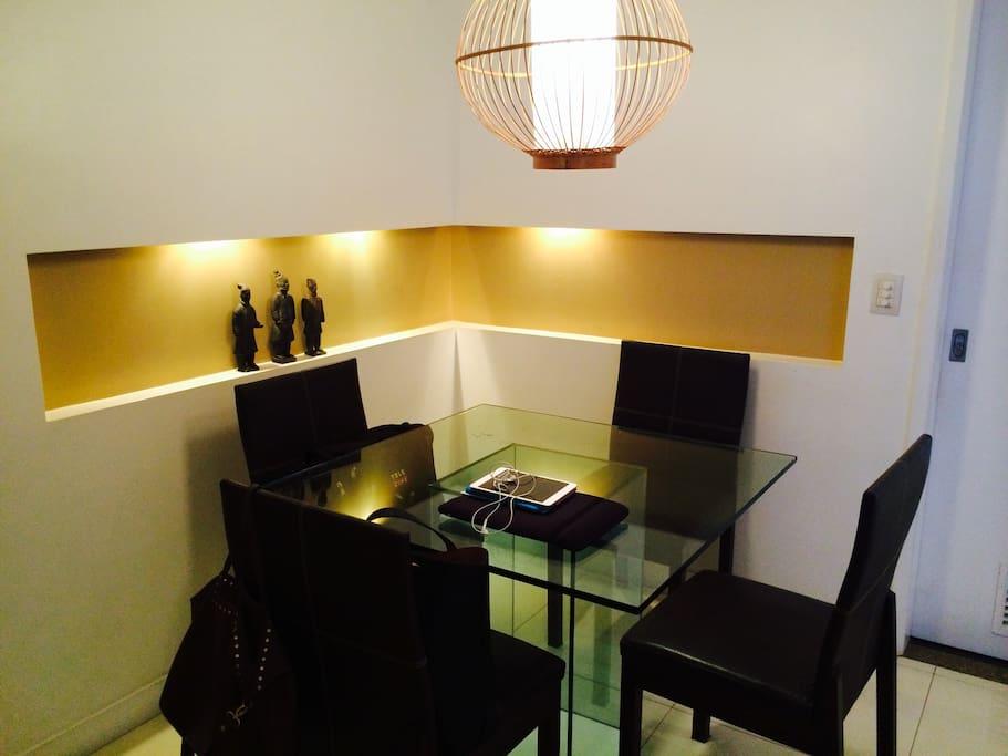 mesa de jantar para 4 lugares