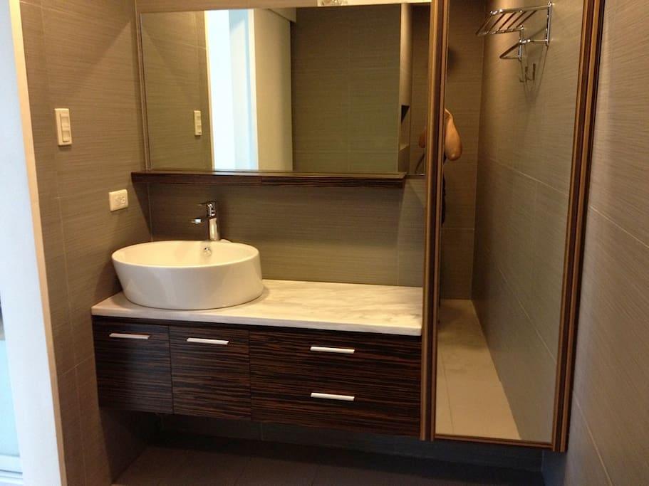 Masters toilet & bath