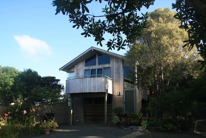 The Villa - Self contained - Romantic hide-away - Mangawhai - Villa