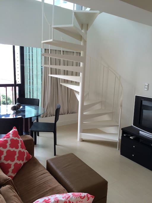 acesso 2 piso/stairs to 2nd floor