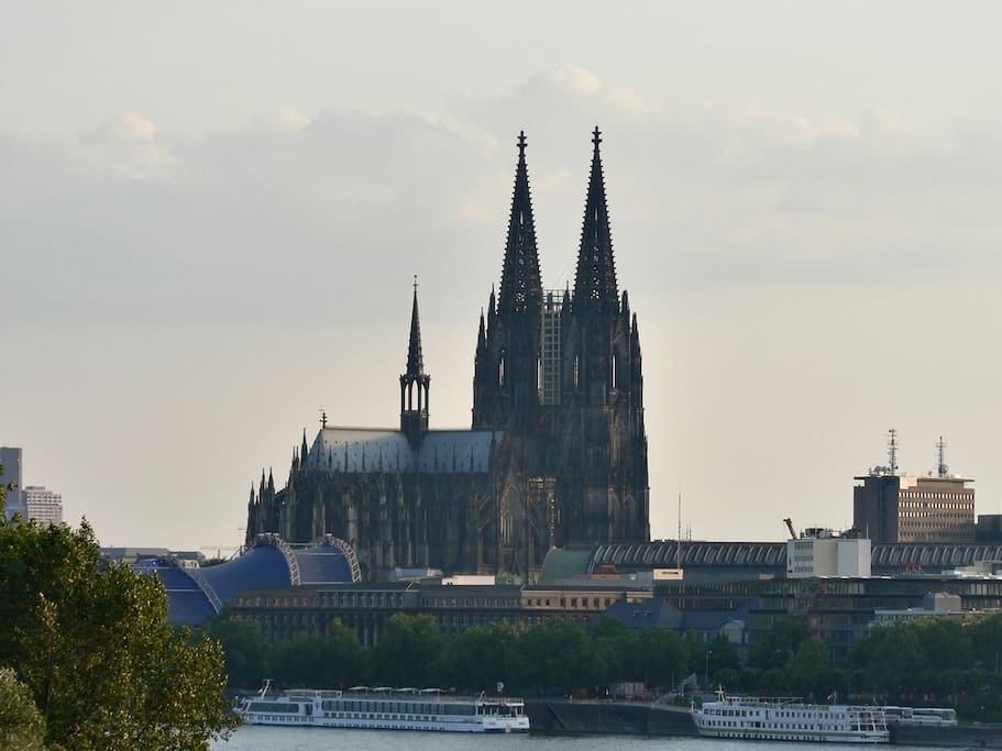 Cologne Cathedral from near the trade fair (Kölnmesse).