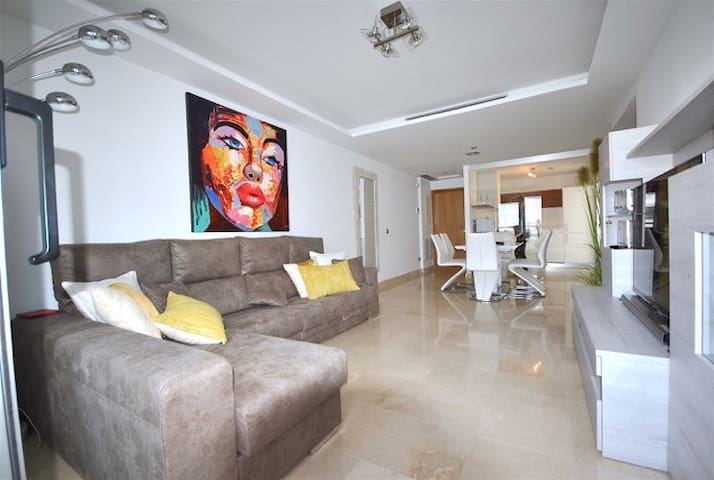 Lovely new 3 bed apt beachside in San Pedro centre - San Pedro de Alcántara - Apartament