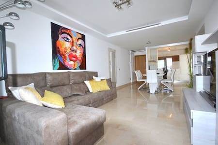 Lovely new 3 bed apt beachside in San Pedro centre - San Pedro de Alcántara