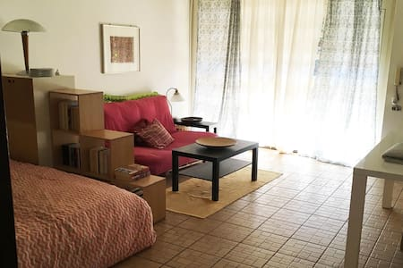 2 room apartment, own entrance, close to Rome