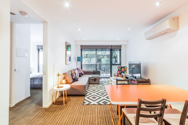 Spacious Apartment Near Beach & Cultural Hub