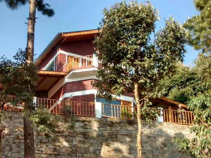 Luxury Bungalow, Himalay view 2 hours from Corbett