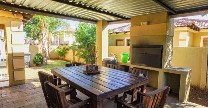 Cozy private cottage 5 km to OR TAMBO Airport