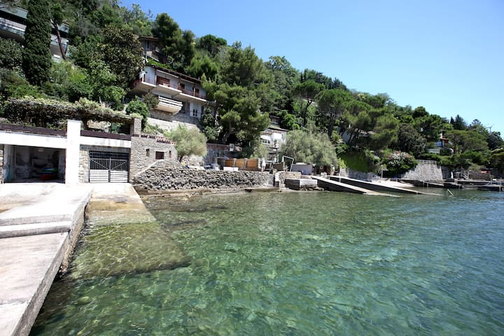 Stunning COSTAL VILLA in TRIESTE Private beach