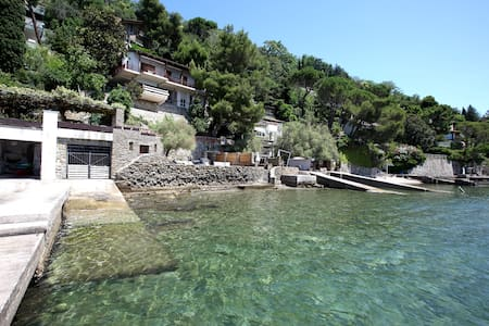 Stunning COSTAL VILLA in TRIESTE Private beach - Trieste - วิลล่า