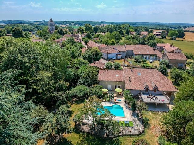 Villa: 21 personnes avec piscine dans beau parc