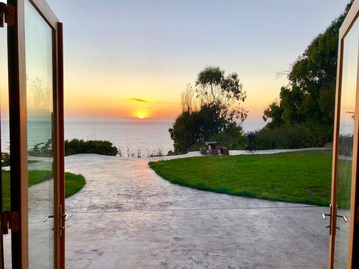 Spectacular historic Mendocino coast retreat