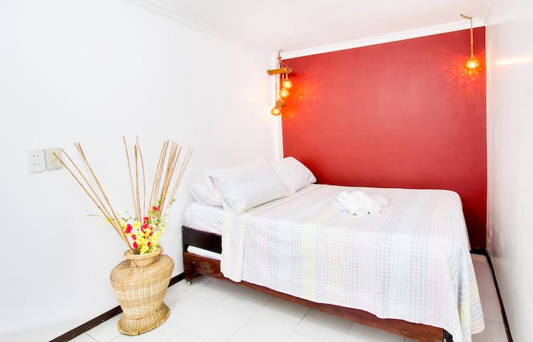 Budget travellers room Boracay2