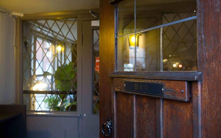 Chequers Inn a 15th century coaching inn (Room 3)