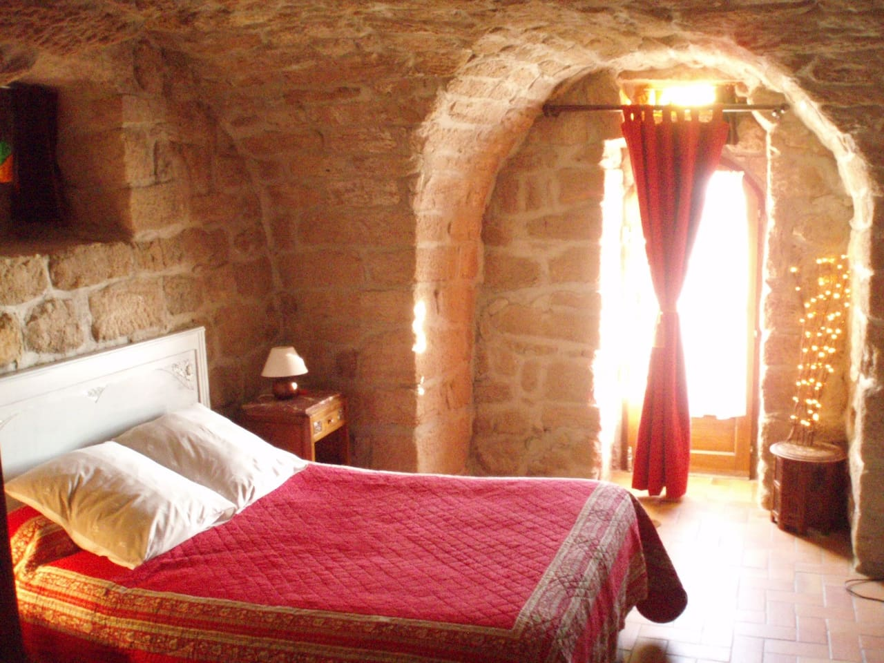 la chambre célestine,petite suite au mas du tracol.chambre d'hôtes ardèche sud.les Vans