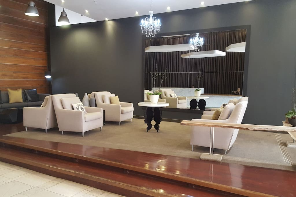 1403 the franklin luxury penthouse apartments for rent for Luxury kitchen johannesburg