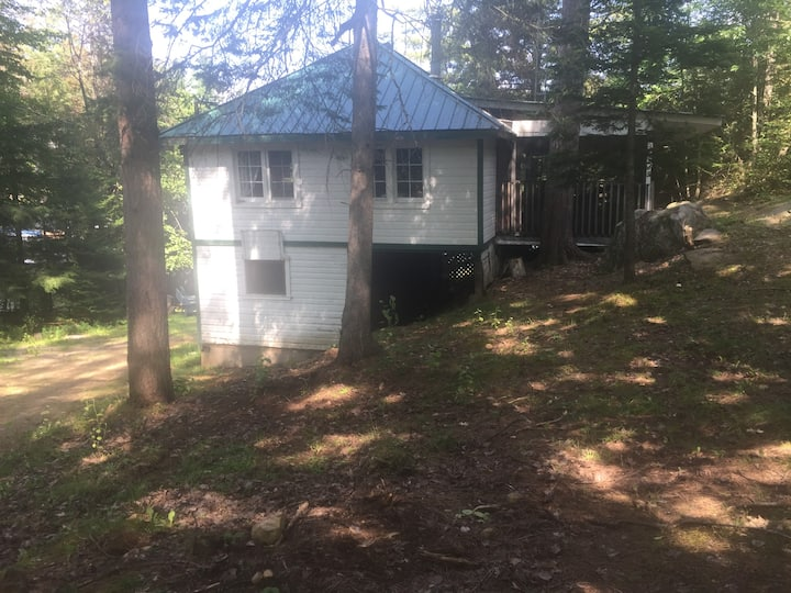 Mississagua Lake Rustic Waterfront Cottage