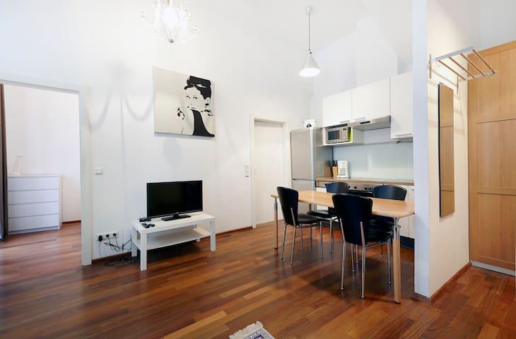 Sehr zentral, modern und gemütlich - Viena - Apartamento