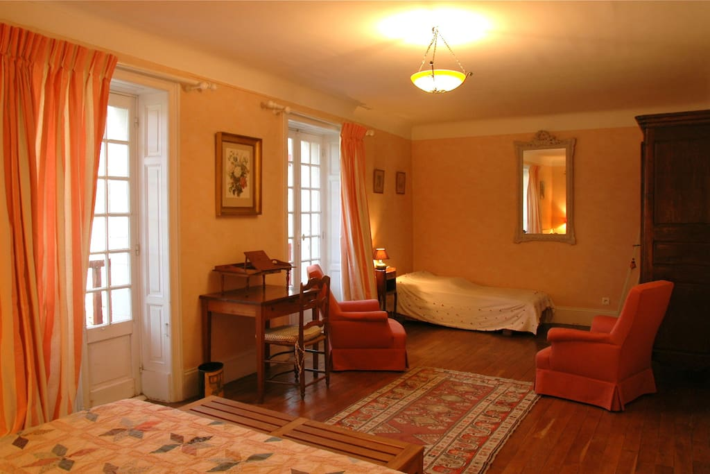 Chambre d 39 h tes pays basque bed and breakfasts for for Chambre d hte pays basque