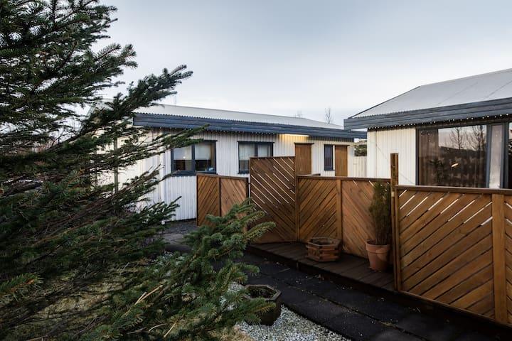 Charming studio room in Hveragerdi - Hveragerði