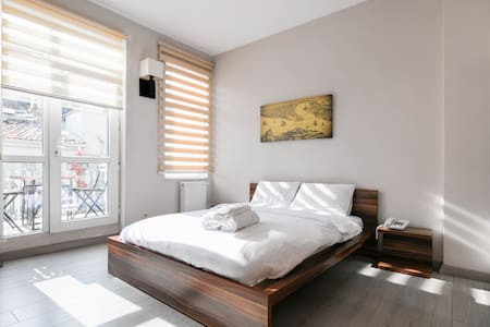 Leon Apartment Taksim with Balcony - İstanbul - Apartment