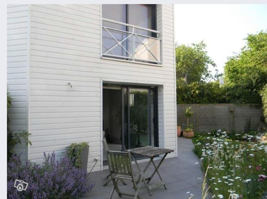 200 m² de jardin avec terrasse
