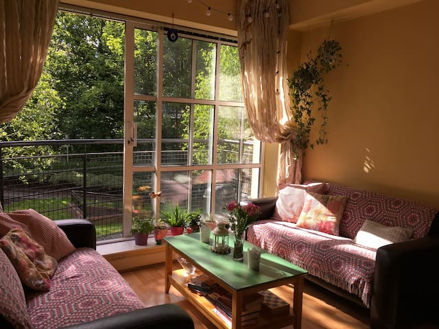 Love, Green and Guinness (2 bedrooms)