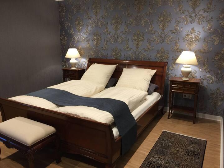 120 €/2 P./Nacht/Schlafz./30 € für jede w. Per.