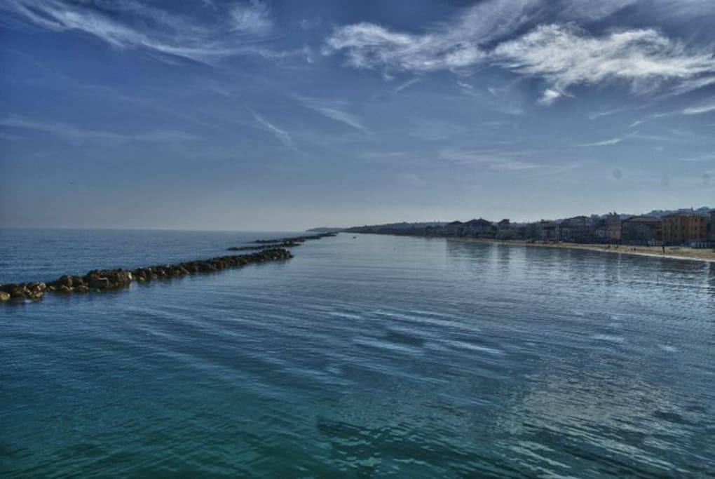 Il Mare visto dal pontile Sirena