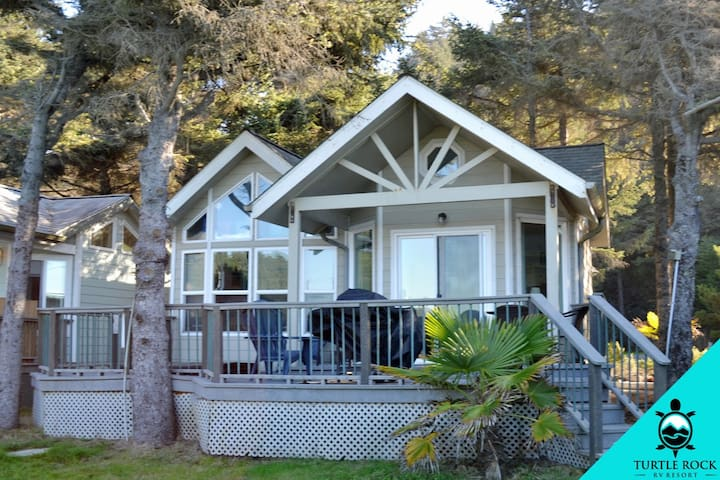 Premium Creek View in Gold Beach OR (Cottage 38)