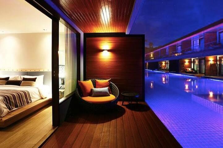 Paradise at Pattaya Beach - pool access room