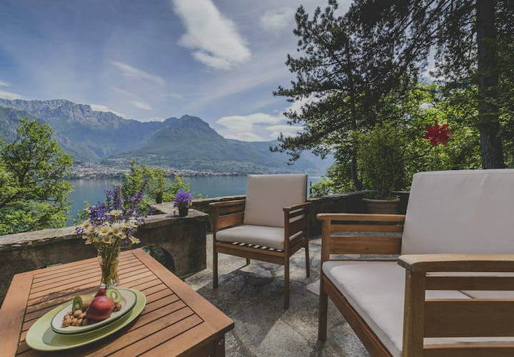 Charming Villa CA VERDA *Beach*Green space*nature *near Bellagio, Lake Como