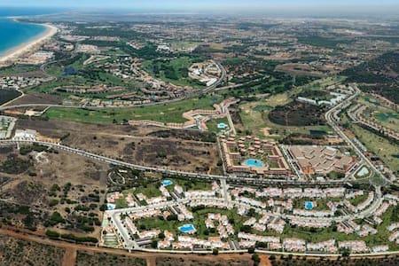 Habitación en Dúplex en urbanización privada. - Conil