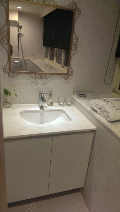我們的家台北 8F F房獨立洗手台