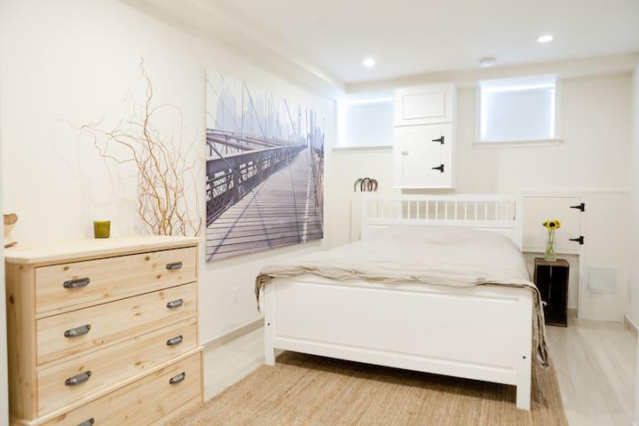 Cozy 1 Bedroom in Clinton Hill