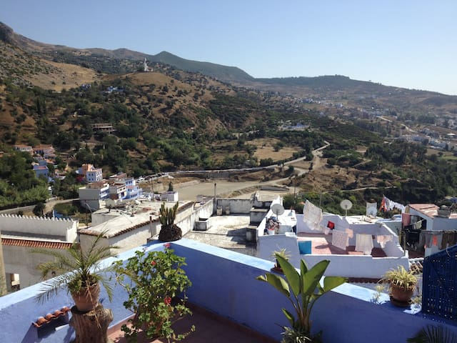 Panoramic view on Chefchaouen - Chefchaouen - Dom