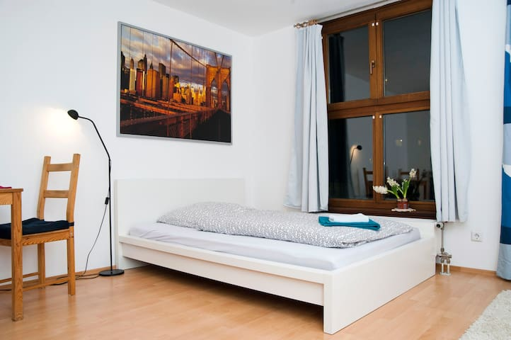 Quiet apartment - 20 sec to metro - Munich