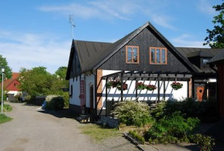 Flat in charming fishing village - Ystad - Loft